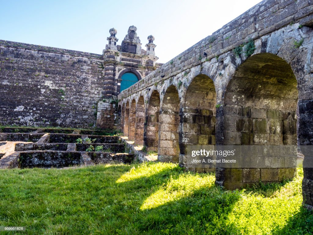 Bridge of entry to the Castle and moat of the Castle of Saint John the Baptist. Terceira Island in the Azores, Portugal. : Stock-Foto