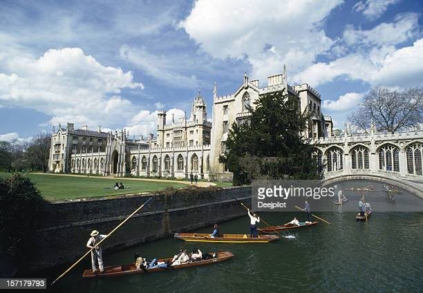 ponte dos suspiros cambridge, inglaterra - cambridge cambridgeshire imagens e fotografias de stock