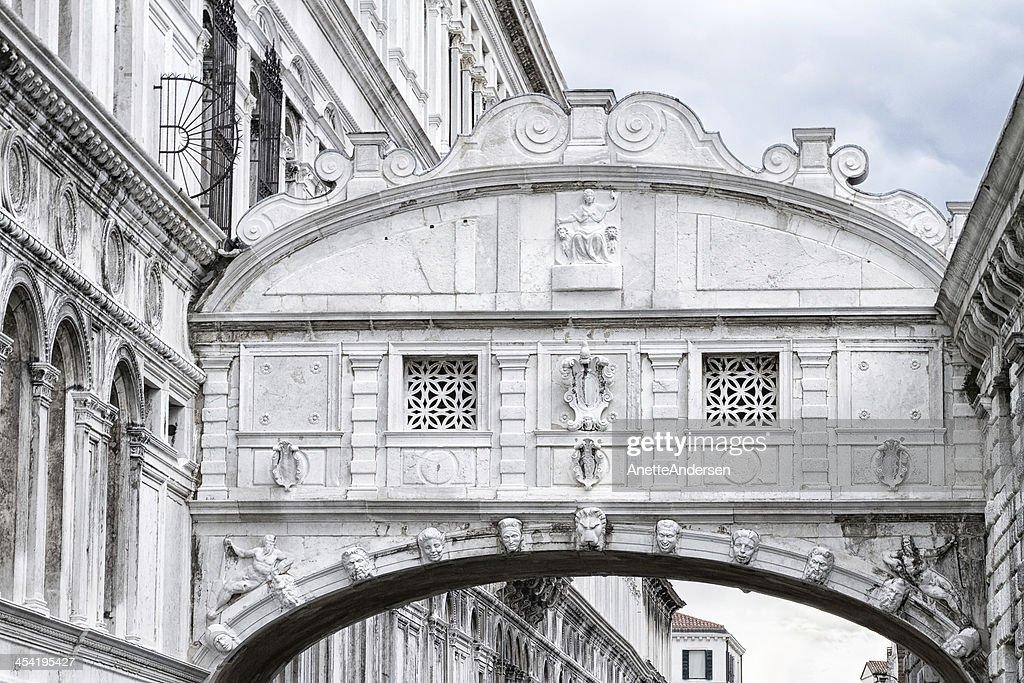 Bridge of sighs in Venice. : Stock Photo