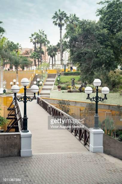 bridge of sighs - lima perú fotografías e imágenes de stock