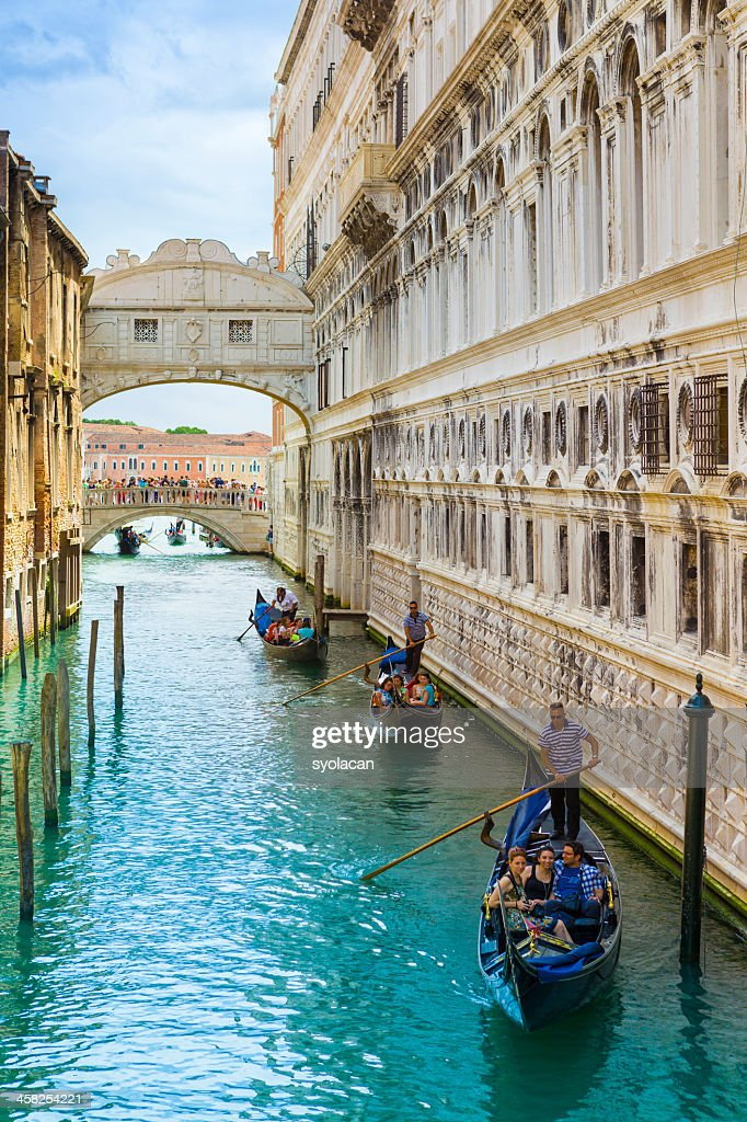 Bridge of Sighs with gondolas : Stock Photo