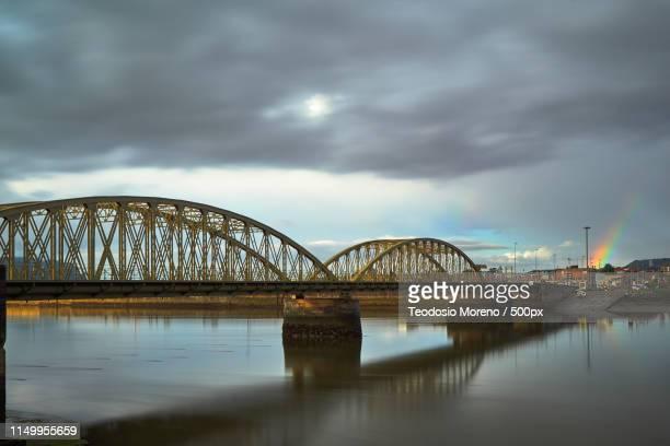 bridge of treto, cantabria, spain - teodosio moreno fotografías e imágenes de stock