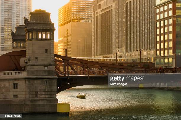 bridge over chicago river, chicago, illinois, united states - chicago river stock pictures, royalty-free photos & images