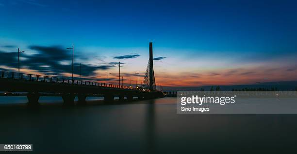 bridge over ge lake - changzhou stock pictures, royalty-free photos & images