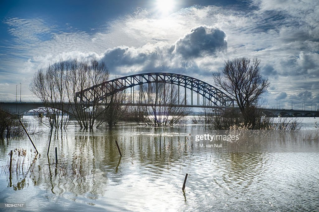 Bridge over High Waters : Stockfoto