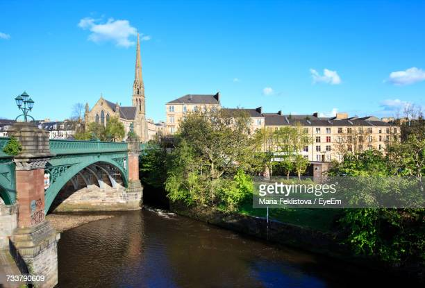 bridge over river against sky - glasgow scotland stock pictures, royalty-free photos & images