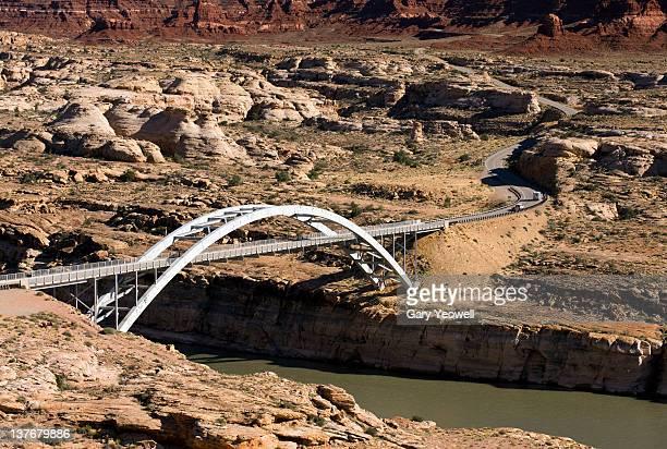 bridge over the colorado river - yeowell foto e immagini stock