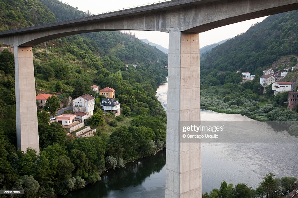 Bridge over the Minho River in Os Peares : Stock Photo