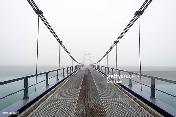 bridge over the river jokulsa, jokulsarlon glacial lagoon, east, east, iceland - austurland stock-fotos und bilder
