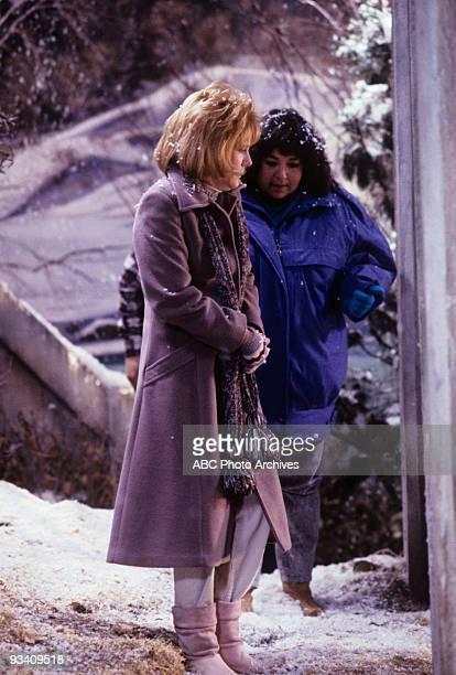 ROSEANNE Bridge Over Troubled Sonny 1/31/89 Natalie West Roseanne Barr