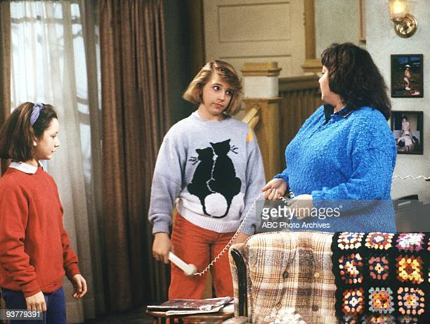 ROSEANNE Bridge Over Troubled Sonny Season One 1/31/89 Darlene decided it was cool to smoke until Roseanne found her pack of cigarettes Lecy Goranson...