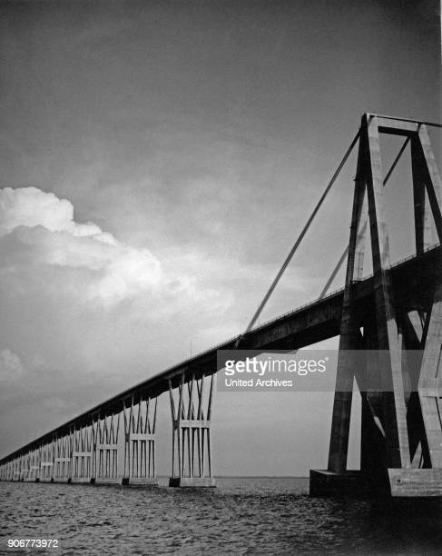 Bridge Puente General Rafael Urdaneta over Lake Maracaibo Venezuela 1970s