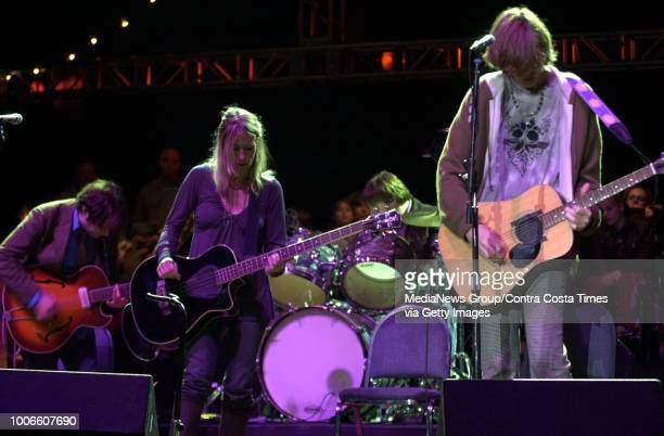 Bridge School Benefit Sonic Youth performs at Shoreline Amphitheatre in Mountain View Calif on Saturday October 23 2004