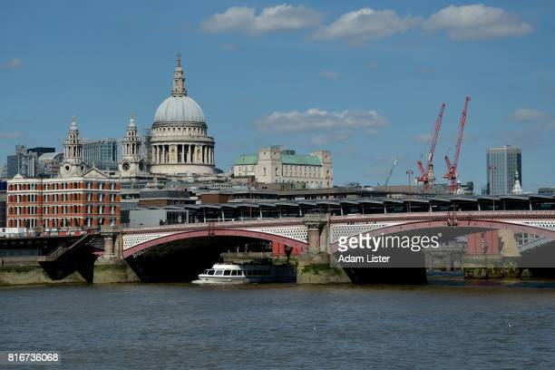 Bridge to St Pauls Cathedral
