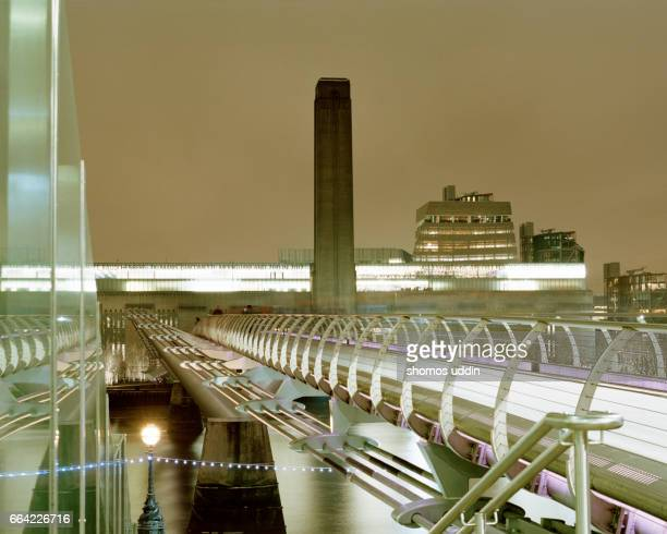 Bridge to tate Modern and the South of Thames