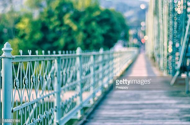 bridge walkway - ビンガムトン ストックフォトと画像