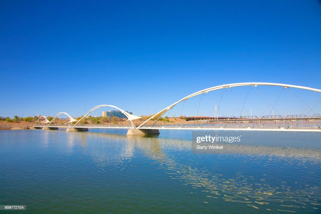 bridge with arches over water in Tempe, AZ : Stock-Foto