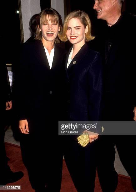 Bridget Fonda and Jennifer Jason Leigh at the Premiere of 'Single White Female', Mann National Theatre, Westwood.