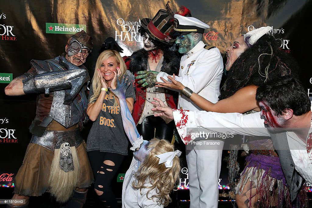 Bridget Marquardt 2nd From L Attends The Queen Mary S Dark Harbor 2016 At