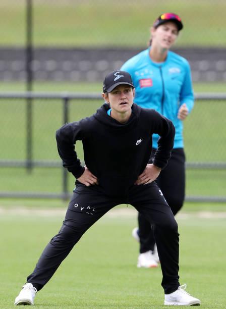 AUS: Adelaide Strikers WBBL Team Photo & Training Session