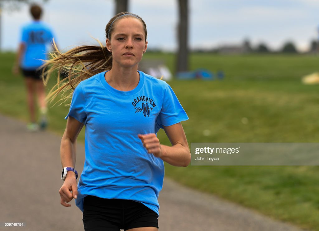 Brie Oakley of Grandview looks like the next great Colorado HS runner... : News Photo