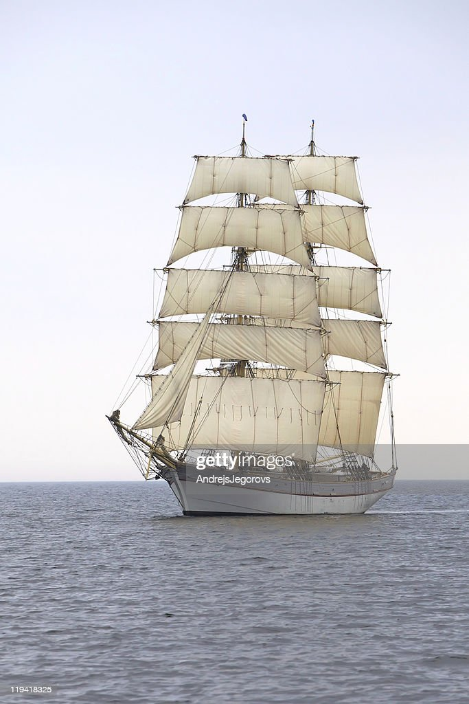 Briga Tre Kronor at sea : Stock Photo