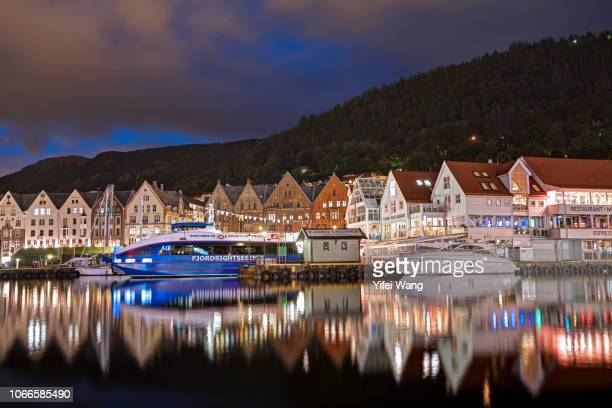 briggen in the night - hordaland county stock pictures, royalty-free photos & images
