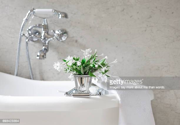 Bright bathroom decor with flowers