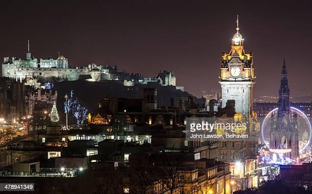 bright lights, big city! - エディンバラ城 ストックフォトと画像