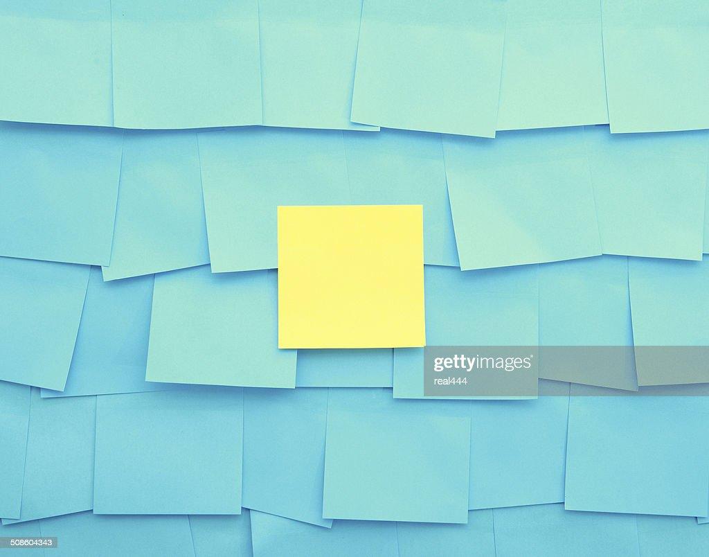 Habitación bien iluminada de notas : Foto de stock