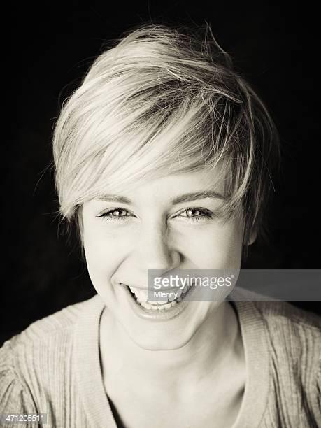 Hellen Lächeln Frau BW Sepia Porträt
