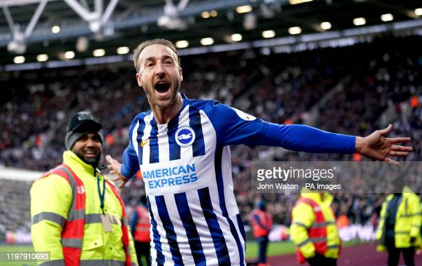 Brighton and Hove Albion's Glenn Murray celebrates scoring his side's third goal of the game during the Premier League match at London Stadium.