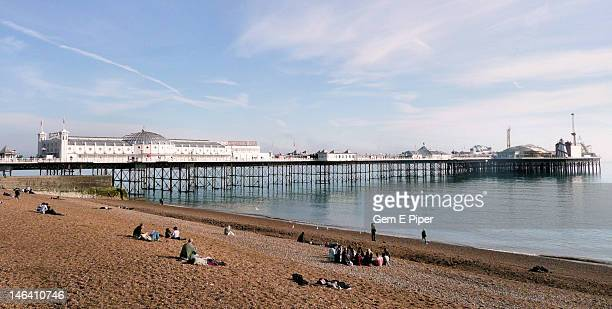 brighton beach, east sussex, england - brighton beach england stock pictures, royalty-free photos & images