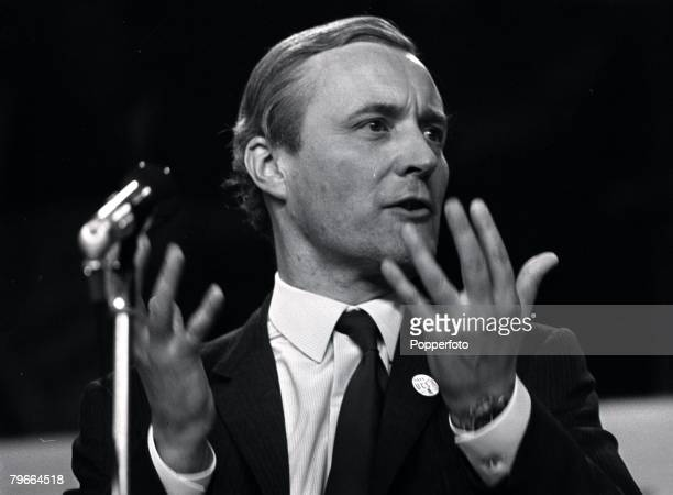 Brighton England 6th October 1971 Labour MP Anthony Wedgewood Benn makes a speech at the Labour Party Conference
