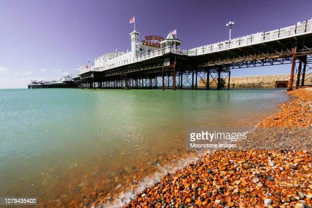 ブライトンパレス桟橋(イーストサセックス、イングランド) - 英国 ブライトン ストックフォトと画像