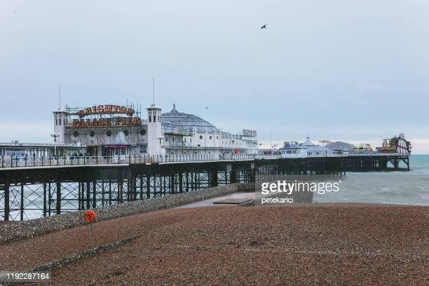 ブライトン 桟橋 - 英国 ブライトン ストックフォトと画像