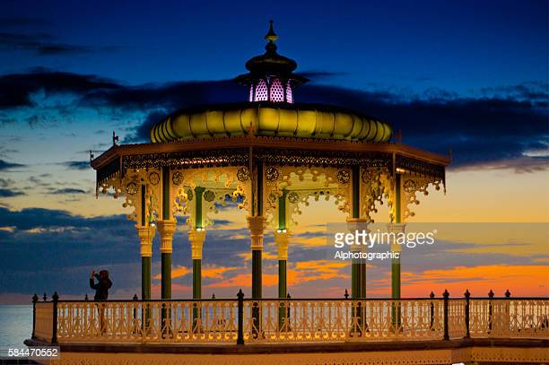 brighton promenade - pavilion stock pictures, royalty-free photos & images