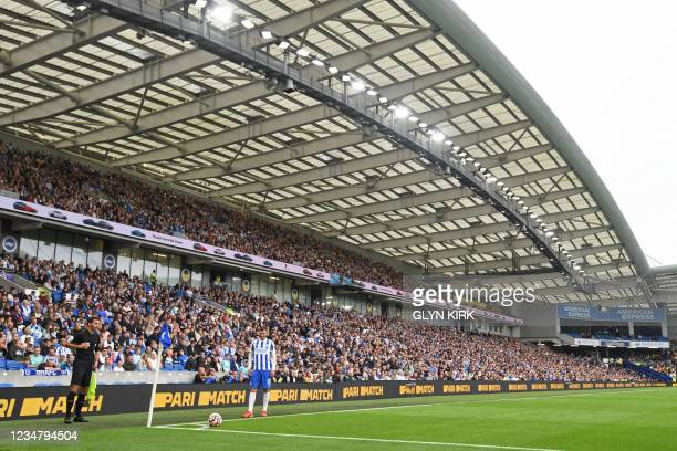 Brighton's German midfielder Pascal Gross prepares to take a corner kick during the English Premier League football match between Brighton and Hove...