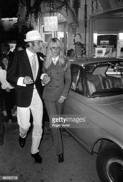 Brigitte Bardot and Gunther Sachs Deauville septembre 1967 HA12227