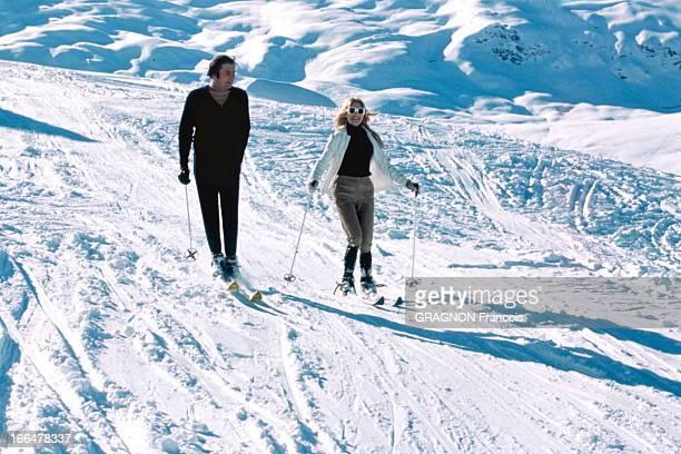 Brigitte Bardot And Gunther Sachs On Winter Sports In Meribel Brigitte BARDOT et son mari Gunther SACHS font du ski à Méribel Janvier 1967