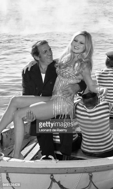 Brigitte Bardot and Lino Ventura on the set of Boulevard du rhum directed by Robert Enrico