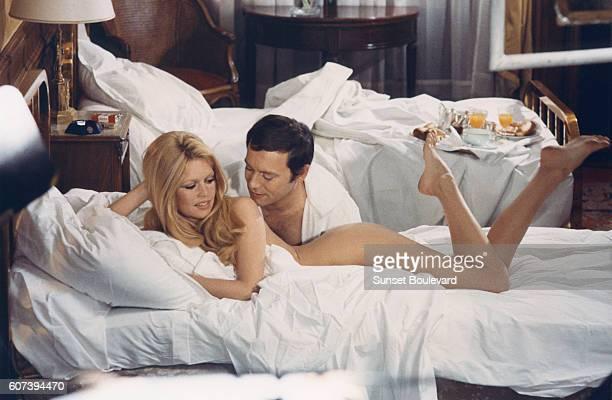 Brigitte Bardot and Maurice Ronet on the set of Les Femmes