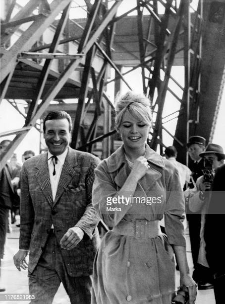 Brigitte bardot. Christian-jaque. Tour eiffel. Paris. 1959.