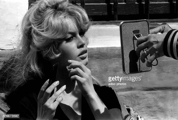 Brigitte Bardot during the shooting of the film La Femme et le Pantin by Julien Duvivier in the Camargue In 1958