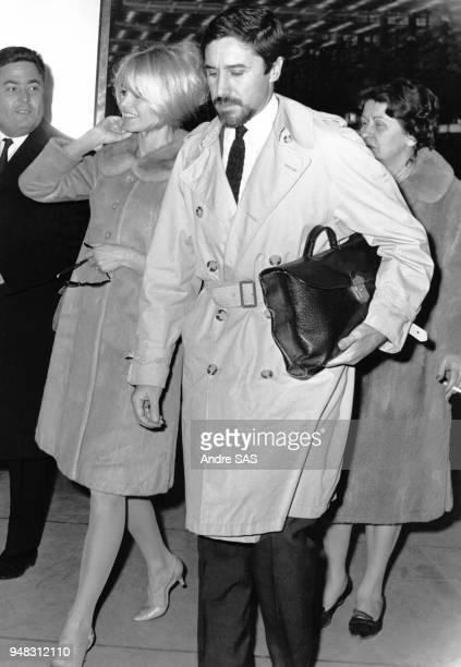 Brigitte Bardot et Bob Zagury s'envolent pour Rio paris France Circa 1960