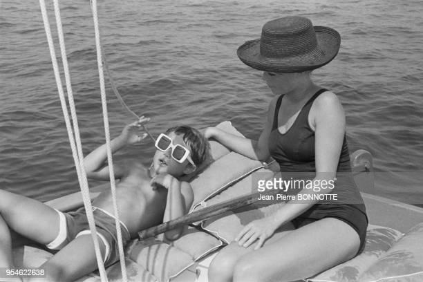 Brigitte Bardot et son fils Nicolas Charrier à La Madrague en aout 1967 France