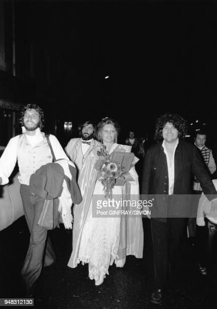 Brigitte Bardot fete ses 39 ans en compagnie de Laurent Vergez et Jean Bouquin en Septembre 1973 à Paris France