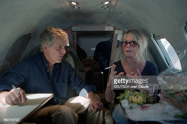 Brigitte Bardot Launches A Campaign In Italy Against The Carriage Conditions Of Animals For Slaughter En Italie en juin 2000 Brigitte BARDOT au nom...