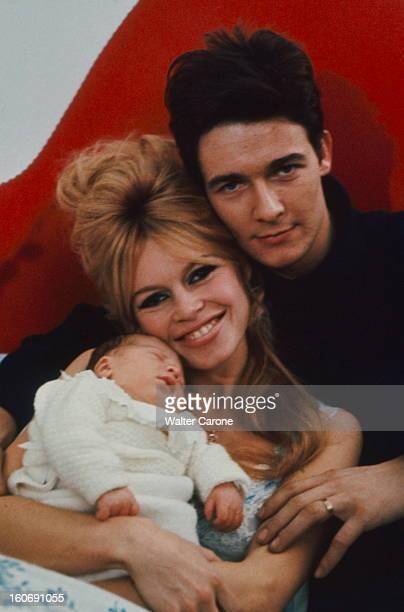 Brigitte Bardot Presents His Son Nicolas Charrier Brigitte BARDOT et Jacques CHARRIER chez eux dans l'appartement du 7e étage au 71 de l'avenue...