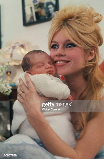 Brigitte Bardot Presents His Son Nicolas Charrier Brigitte BARDOT chez elle dans l'appartement du 7e étage du 71 de l'avenue PaulDoumer à Paris...